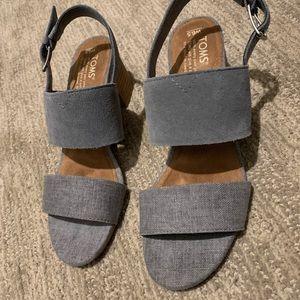 TOMS Shade Suede Linen Women's Poppy Sandals 6 1/2